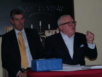 """Thomas Sattelberger (rechts) referierte auf dem Neujahrsempfang der FDP am 17. Januar über das Thema """"Arbeitswelt im digitalen Zeitalter"""" (Foto: Peter Pernsteiner)"""