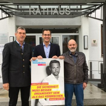 Lars Harbig (Mitte) mit Alexander Müller (links) und Bernhard Gar (rechts)